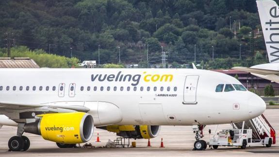 Una avería en un avión deja tres horas en tierra a 180 pasajeros de Vueling en Loiu